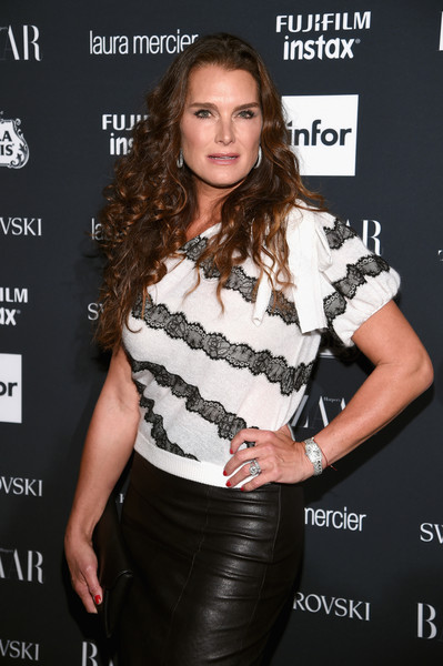 More Pics of Brooke Shields One-Shoulder Top (1 of 6) - Brooke Shields Lookbook - StyleBistro