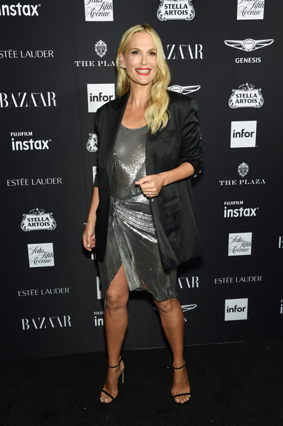 Molly Sims was glowing in a silver chainmail dress at the 2018 Harper's Bazaar Icons event.