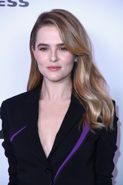 Zoey Deutch sweetened up her look with this perfect wavy hairstyle for the Harper's Bazaar 150 Most Fashionable Women celebration.