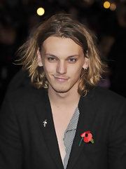 Jamie Campbell Bower sported a messy 'do at the premiere of 'Harry Potter.' It made him look so much like Johnny Depp.