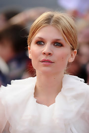Clemence Poesy looked chic and elegant at the London premiere of 'Harry Potter.' She finished off her look with subtle smoky eyes.