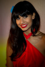 Jameela worked her signature cat liquid liner and red lipstick at a Havaianas launch party in London.
