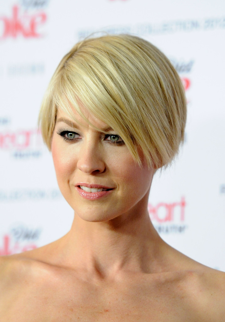More Pics Of Jenna Elfman Layered Razor Cut 6 Of 11 Short