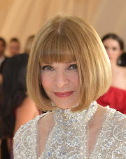 Anna Wintour attended the 2018 Met Gala sporting her trademark bob with blunt bangs.