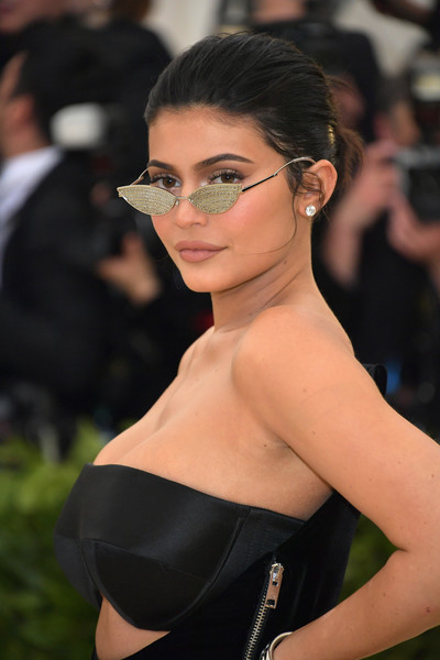 5bc76a1183392 More Pics of Kylie Jenner Cateye Sunglasses (23 of 30) - Cateye Sunglasses  Lookbook - StyleBistro