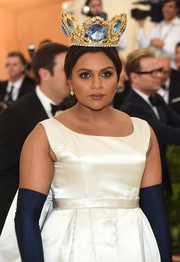 Mindy Kaling commanded attention wearing this luxurious Pericles Kondylatos crown at the 2018 Met Gala.