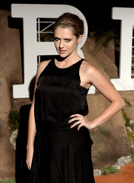 More Pics of Teresa Palmer Maxi Dress (1 of 3) - Teresa Palmer Lookbook - StyleBistro