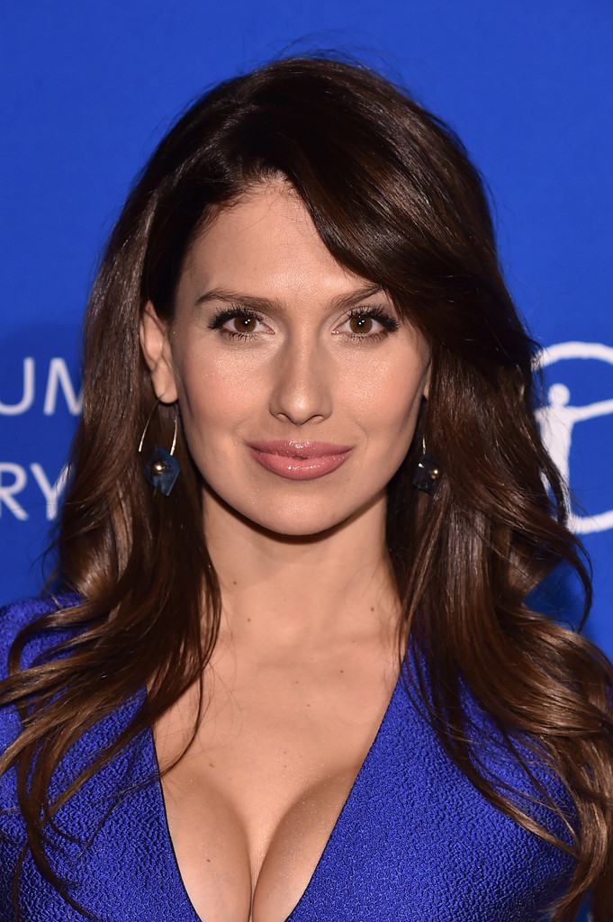 Hilaria Baldwin Long Wavy Cut With Bangs Hilaria Baldwin