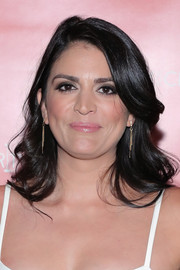 Cecily Strong sported a lovely wavy hairstyle while attending Hilarity for Charity.