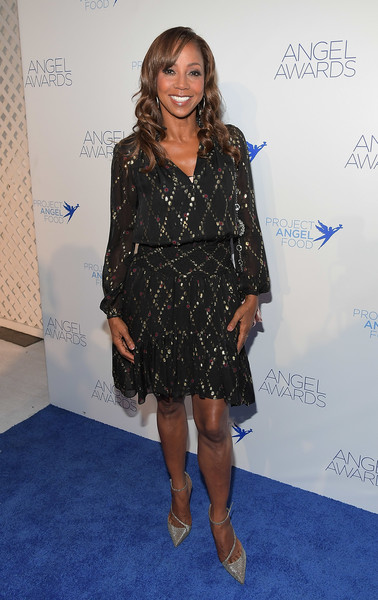 Holly Robinson Peete Evening Sandals [clothing,dress,carpet,fashion,red carpet,footwear,cocktail dress,premiere,long hair,electric blue,holly robinson peete,angel awards,hollywood,california,project angel food,2018 angel awards]
