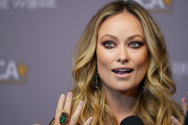 Olivia Wilde accessorized with a huge gemstone ring at the Hollywood Critics Awards.