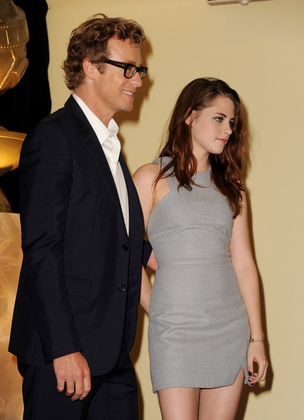 More Pics of Kristen Stewart Long Wavy Cut (5 of 26) - Long Wavy Cut Lookbook - StyleBistro