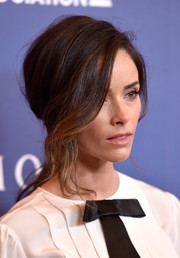 Abigail Spencer styled her hair into a romantic loose ponytail for the Hollywood Foreign Press Association's Grants Banquet.