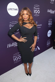 Niecy Nash looked sizzling-hot in a body-con dress with a cleavage-baring cutout at the Hollywood Reporter's 2017 Women in Entertainment Breakfast.