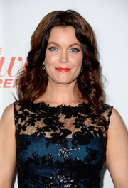 Bellamy Young looked sweet and elegant at the Hollywood Reporter Emmy party with her spiral curls and lace dress.