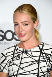 Cat Deeley looked classic at the Hollywood Reporter Emmy party with her sleek center-parted ponytail.