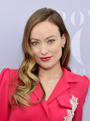 Olivia Wilde attended the Women in Entertainment Breakfast looking oh-so-glam with her Veronica Lake waves.