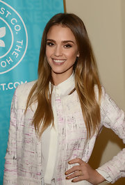 Jessica Alba showed off her honey tresses with a long straight 'do.