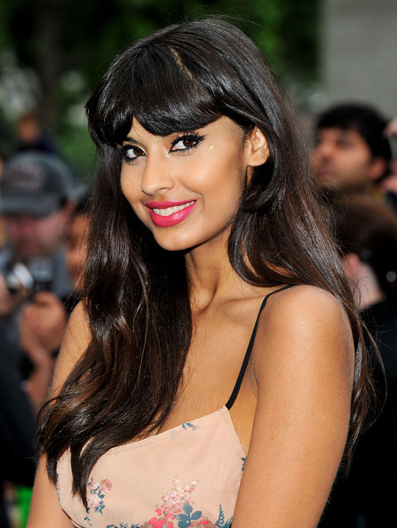 This candy-pink lipstick looked oh-so pretty on Jameela.