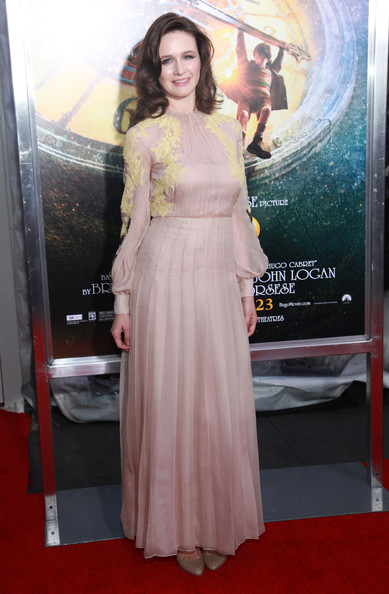 Emily Mortimer looked elegant in a cream evening dress with lace applique for the 'Hugo' New York premiere.