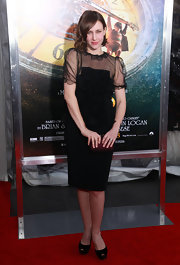 Vera Farmiga was lovely in an all-black ensemble at the 'Hugo' premiere in NYC. The gorgeous starlet topped off her look with black platform peep-toe pumps.