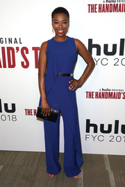 Samira Wiley styled her look with a black box clutch.