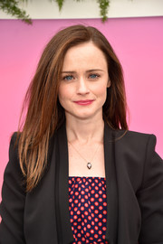 Alexis Bledel wore a simple yet stylish layered cut at the Hulu Upfront brunch.