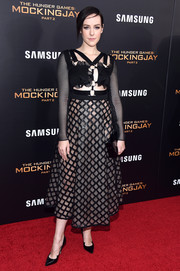 Black peaked-vamp pumps by Paul Andrew were the perfect finishing touch to Jena Malone's edgy-chic dress.