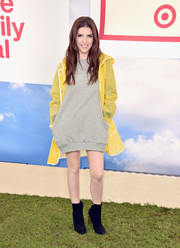 Anna Kendrick looked cute and comfy in a gray sweatshirt dress at the Hunter for Target Ultimate Family Festival.