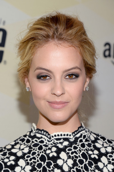 Gage Golightly achieved sexy eyes with lots of smoky makeup.