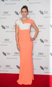 Emily Blunt was all about minimalist sophistication in a coral and white Roland Mouret gown during the IWC Gala.