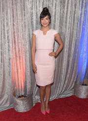 Hannah Simone looked cute and airy in a pink cap-sleeve shift by GUiSHEM at the IWMF Courage in Journalism Awards.