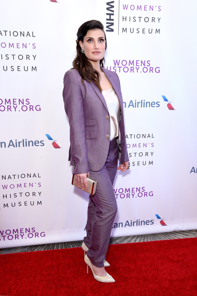 Idina Menzel Satin Clutch [red carpet,carpet,clothing,suit,pantsuit,fashion,flooring,formal wear,outerwear,premiere,beverly hills,california,the beverly hilton hotel,national womens history museums 7th annual women making history awards,idina menzel]