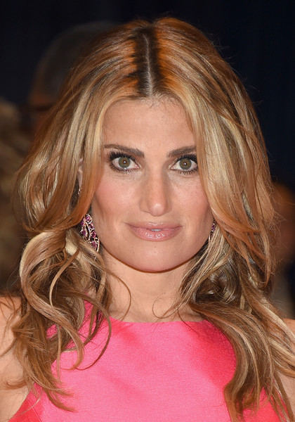 Idina Menzel Long Wavy Cut