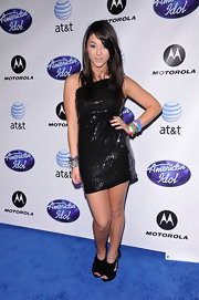Fivel Stewart went all-black for the 'American Idol' Season 10 Top 24 Debut as she teamed up her black dress with a pair of slingbacks.