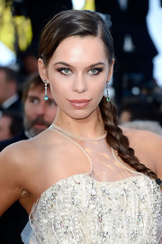 Liliana Matthaeus chose a long side braid for her elegant and classic beauty look.