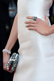 Karlie Kloss accessorized with some chic stackable rings when she attended the premiere of 'The Immigrant.'