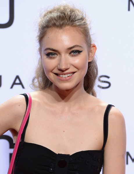 Imogen Poots Cat Eyes [marc jacobs,imogen poots,hair,hairstyle,eyebrow,skin,beauty,lip,smile,premiere,blond,dress,new york fashion week,fashion show,marc jacobs spring 2016,new york city,ziegfeld theater]