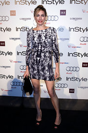"Claudia Karvan showed off her digital print cocktail dress while attending the ""InStyle"" Awards in Australia."