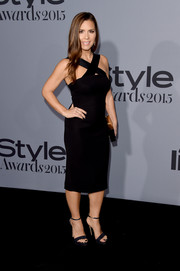 Monique Lhuillier donned a fitted LBD with a crisscross neckline for the InStyle Awards.