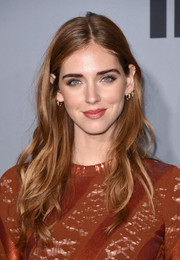 Chiara Ferragni wore her hair in a casual wavy style during the InStyle Awards.