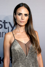 Jordana Brewster kept it simple at the InStyle Awards with this straight center-parted hairstyle swept over one shoulder.