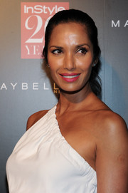 Padma Lakshmi made her beauty look pop with a hot-pink lip.