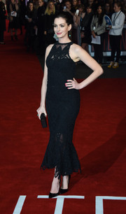 Anne Hathaway looked supremely elegant at the UK premiere of 'The Intern' in a sheer, embroidered Jonathan Simkhai LBD boasting a figure-flaunting mermaid silhouette.