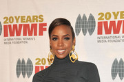 Kelly Rowland Wears a Sleek Gray Day Dress