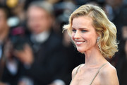 Eva Herzigova looked lovely with her curly bob at the 2017 Cannes Film Festival opening gala.