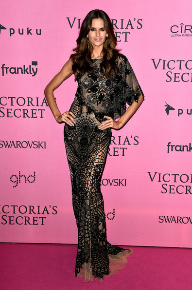 Izabel Goulart Clothes