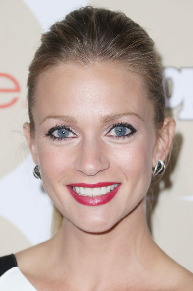 A.J. Cook Ponytail