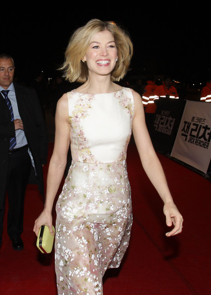 More Pics of Rosamund Pike Print Dress (1 of 10) - Rosamund Pike Lookbook - StyleBistro