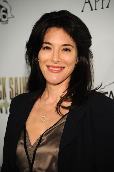 Jaime Murray Layered Cut